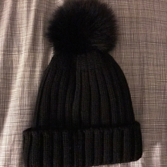 81177871e98 Accessories - Real fur Pom Pom winter hat